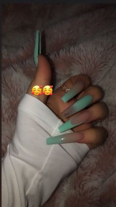 How to choose your fake nails? - My Nails Aycrlic Nails, Glam Nails, Bling Nails, Matte Nails, Glitter Nails, Best Acrylic Nails, Summer Acrylic Nails, Acrylic Nail Designs, Long Nail Designs