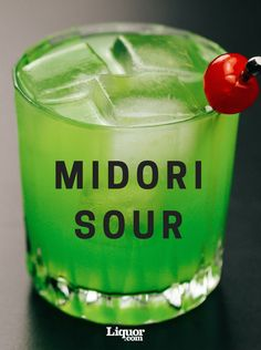 Classics You Should Know: The Midori Sour - Classics You Should Know: The Midori Sour Classic Cocktails The Midori Sour is a modern classic you definitely need to try. This bright-green blast from the past combines sweet and sour flavors. Liquor Drinks, Cocktail Drinks, Cocktail Recipes, Green Alcoholic Drinks, Bourbon Drinks, Craft Cocktails, Green Cocktails, Sour Cocktail, Colorful Cocktails