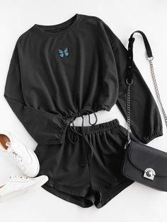 Cute Lazy Outfits, Teenage Outfits, Crop Top Outfits, Stylish Outfits, Cool Outfits, Girls Fashion Clothes, Teen Fashion Outfits, Style Fashion, Cute Pajama Sets