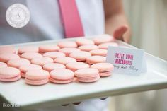 www.anneandersonevents.com  Savory petit pink macarons with beet filling to complement your hors d'oeuvres. Photo by @ikonicaimages #anneandersonevents #wedding #macaroons #weddingplanner #weddingplanning #luxuryweddings #weddingdecor  #miamiweddings #muskokaweddings #torontoweddings  Pequeños macarrones rosados para complementar tus postres de boda. Foto por @ikonicaimages #planeaciondebodas #diseñodebodas #inspiracionbodas #bodasespectaculares #bodasoriginales #bodasmiami