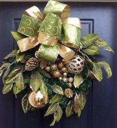 Green and Gold Christmas Wreath, Holiday Wreath, Christmas Door Wreath, Large wreath: