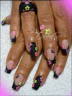 #nails #nailart #handpainted - pinned by http://www.naildesignshop.nl