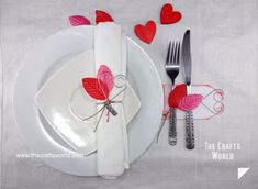 valentine s day table decoration, painted furniture, seasonal holiday decor, valentines day ideas Valentine Wreath, Valentines Day Hearts, Valentine Day Crafts, Valentine Day Table Decorations, Simple Table Decorations, Diy Platform Bed, Heart Wall Art, Valentine's Day Diy, Cool Diy Projects