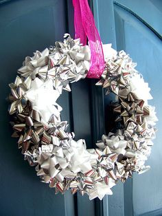 metallic bow wreath DIY. easy, cheap and festive.