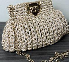 /Hacked By Hucking & TheCreepie Crochet Mat, Crochet Gloves, Crochet Bag Tutorials, Wooden Bag, Potli Bags, Luxury Purses, Handmade Handbags, Crochet Handbags, Victorian Jewelry