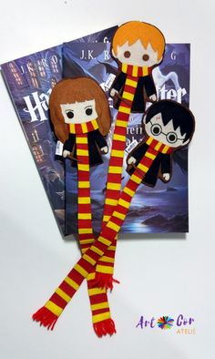 Discover recipes, home ideas, style inspiration and other ideas to try. Harry Potter Diy, Natal Do Harry Potter, Harry Potter Bookmark, Harry Potter Drawings, Harry Potter Christmas, Harry Potter Theme, Harry Potter Birthday, Creative Bookmarks, Diy Bookmarks