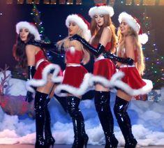 Thank u next ! Ariana Grande Wallpaper, Ariana Grande Photos, Halloween Disfraces, Celebs, Celebrities, Halloween Outfits, Lady, Clothes, Instagram
