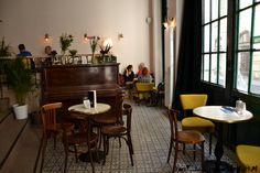 Dobre dobre, Bratislava.  No Donald found in this cafe!
