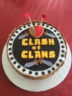 Clash Games provides latest Information and updates about clash of clans, coc updates, clash of phoenix, clash royale and many of your favorite Games Clash Royale, Clash Of Clans, Fondant Cakes, Cupcake Cakes, Royal Cakes, Royal Party, Fondant Tutorial, Party Cakes, Decoration