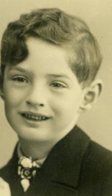 Petr Goldmann | Databáze obětí | Holocaust The Lost World, Never Again, Anne Frank, 9 Year Olds, Eastern Europe, World War Ii, Ww2, Angels, People