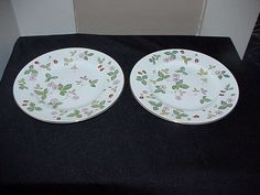 2 Wedgwood Wild Strawberry R4406 Salad Plates by thebestofthepast