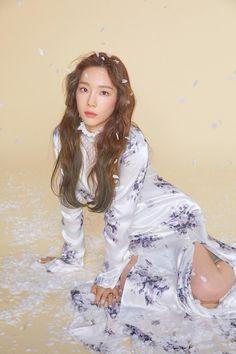"Update: Girls' Generation's Taeyeon Stuns In More Gorgeous ""Four Seasons"" Photos Jeonju, Girls' Generation Taeyeon, Girls Generation, Kpop Girl Groups, Kpop Girls, Yuri, Taeyeon Wallpapers, Taeyeon Fashion, Kpop Fashion"