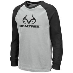 This Realtree Boy's Long Sleeve Raglan Shirt is Dual Blend, made for being out in the woods Hunting or for everyday wear. It is Lightweight, long sleeve, loose cut and a Poly, Cotton Dual Blend for comfort and style. Realtree Clothing, Camo Outfits, Realtree Camo, Raglan Shirts, Boys Nike, Youth, Menswear, Lovers