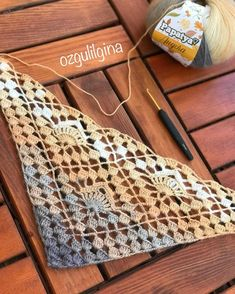20 Triangle Of Fans Stitch Free Crochet Tutorial - TheYarnAddicts Crochet Shrug Pattern, Crochet Shawl, Free Crochet, Knit Crochet, Crochet Patterns, Thread Crochet, Crochet Scarves, Crochet Clothes, Crochet Stitches
