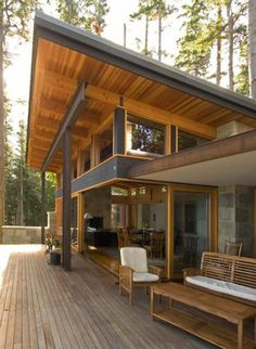 Roofing Architecture Interesting connection between the extended shed roof with fenestration. Chalet Modern, Contemporary Patio, Contemporary Building, Contemporary Cottage, Contemporary Wallpaper, Contemporary Chandelier, Contemporary Bedroom, Modern Contemporary, Farmhouse Renovation