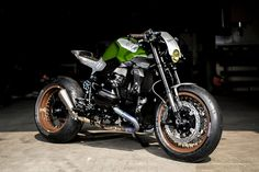 BMW R1200R cafe racer by VTR Customs of Switzerland.