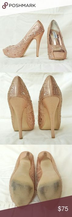 Steve Madden Cycile Rose Gold Crystal Heels These Steve Madden Cycile rose gold crystal heels are a size 6.5 and have only been worn once. They are in fantastic condition with only light wear to the bottoms of the shoes and a couple very light markings. All of the crystals are still intact. Steve Madden Shoes Heels