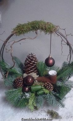 Spectacular Create a picture result per Christmas with a star frame - Bilder dekoration diy - Christmas Flower Arrangements, Christmas Flowers, Christmas Mood, Christmas Centerpieces, Holiday Tree, Rustic Christmas, Xmas Decorations, Floral Arrangements, Christmas Wreaths