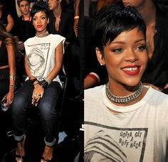"""2013 #VMAs may be forever remembered as the night when """"tooth jewelry"""" became a thing. What do you think of #Rihanna's daring dental accessory?"""