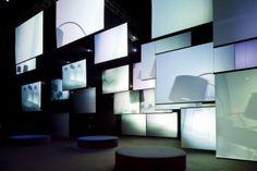 La marca italiana nos sorprendió la pasada feria con dos instalaciones, en Superstudio Più y el Museo Poldi Pezzoli, en las que la luz era la protagonista. Pero no a través de las lámparas…
