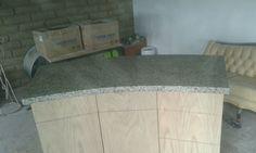 Barra de cocina en granito blanco España