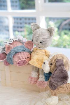 Erinna Lee - Amigurumi Treasures Discover 15 amigurumi gems in Erinna Lee's crochet book 'Amigurumi Treasures' Crochet Animal Patterns, Crochet Doll Pattern, Stuffed Animal Patterns, Crochet Geek, Crochet Patterns Amigurumi, Cute Crochet, Crochet For Kids, Amigurumi Doll, Crochet Animals