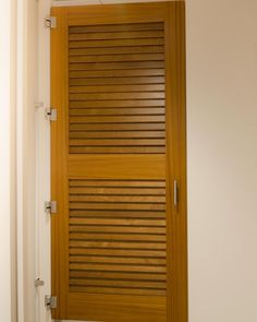 Ironwood Manufacturing Toilet Partitions And Louvered Bathroom Doors Clean Traditional Custom