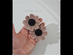 Crochet Hair Accessories, Crochet Hair Styles, Fabric Flower Brooch, Fabric Flowers, Crochet Brooch, Crochet Necklace, Irish Crochet, Crochet Lace, Crochet Borders
