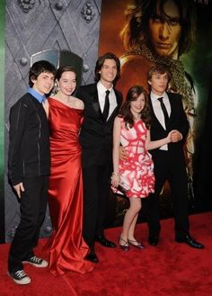 Prince Caspian Cast<< Almost every single pic of Skander has him wearing converse. Even bright red ones!! Love him.