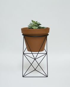 Eric Trine octa ring planter_black.jpg