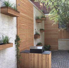 Tuinontwerp of tuinarchitect? Wij ontwerpen tuinen om in te leven. Pergola Patio, Backyard Landscaping, Outside Living, Outdoor Living, Small Gardens, Outdoor Gardens, Diy Outdoor Furniture, Outdoor Decor, Chelsea Garden