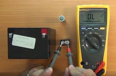 This very clear video series patiently walks you through how to use a multimeter Basic Electrical Wiring, Electrical Safety, Electrical Outlets, Electronics Basics, Electrical Connection, Dimmable Led Lights, Home Repair, Cool Tools, Arduino