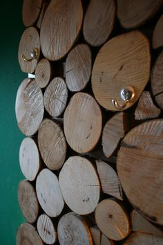 DIY WARDROBE FROM WOOD DISCS...