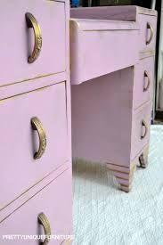 Znalezione obrazy dla zapytania henriette chalk paint Decor Crafts, Home Decor, Unique Furniture, Chalk Paint, Filing Cabinet, Interior Decorating, Sweet Home, Storage, Pretty