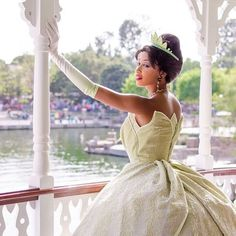 Tiana princess and the frog Disney Love, Disney Magic, Disney Parks, Walt Disney World, Disney Pixar, Disney Theme, Disney Bound, Pocket Princesses, Disney Princesses