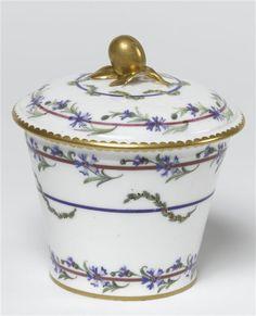 """Pot à sucre du service du""""Gobelet du Roi"""", Sèvres, 1783"""