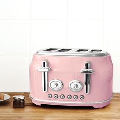 Designed in a pink colourway, this toaster is part of our Retro collection and has a four slice capacity ideal for busy family households Pink Toaster, Vintage Toaster, Retro Toaster, Kettle And Toaster, Retro Appliances, Small Kitchen Appliances, Cute Kitchen, Green Kitchen, Kitchen Ideas