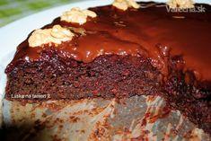 Úžasný vegan koláč, vhodný aj pre deti. Odporúčam cviklu najprv napariť/uvariť a rozmixovať.