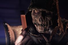 This Scarecrow Cosplay is Dark, Gloomy...and Awesome  http://moviepilot.com/posts/2014/11/21/this-scarecrow-cosplay-is-dark-gloomy-and-awesome-2452786?lt_source=external,manual