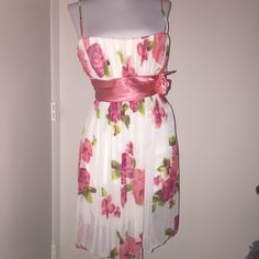 Beautiful pink and white dress prom Mini dress for prom or out for a night pink with white and flowers Dresses Mini