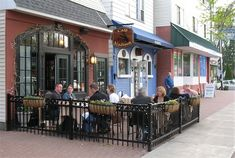 http://alloveralbany.com/images/cafe_madison_outdoor_dining.jpg