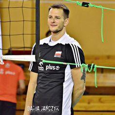 """""""Jakieś życzenia na 'next post'?  Facebook.com/DariaJanczykPhotography  #BartoszKurek #kulisykadry #reprezentacja #TeamPoland #sport #siatkówka…"""""""