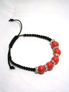 perles de bois, strass et macramé