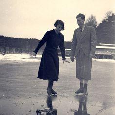 An Enjoyable Winter Sport - Ice Skating And My Skating History Vintage Photographs, Vintage Photos, Vintage Couples, Ice Skaters, Winter Sports, Figure Skating, Old Photos, 1920s, Old School