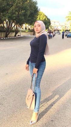 Details about Elegant Chiffon Scarf Hijab Shawl Wrap Women Soft Scarves Headband Muslim Hijabs Arab Girls Hijab, Girl Hijab, Muslim Girls, Iranian Women Fashion, Curvy Women Fashion, Girl Fashion, Casual Hijab Outfit, Hijab Chic, Beautiful Muslim Women