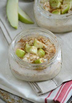 cinnamon brown sugar overnight oats in mason jar