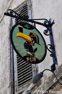 Les enseignes- Pub