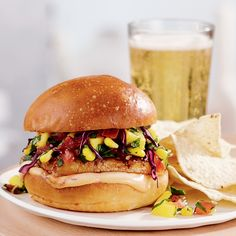 Recette de burgers de tofu à l'érable et au chipotle Big Mac, Barbecue, Sandwiches, Food Porn, Food And Drink, Vegan, Chicken, Ethnic Recipes, Hamburger Recipes