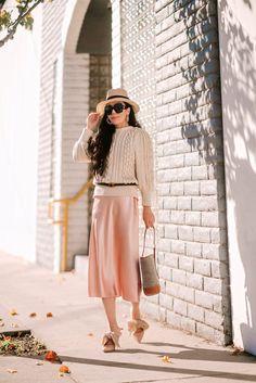 2b00ff80e737b 2019 Spring Trend Chunky Sweater Satin Skirt