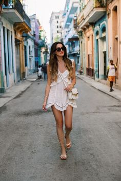 Cruise attire, cruise outfits, vacation outfits, cuba outfit, outfits for c Cuba Fashion, Fashion Mode, Fashion Over 40, Cruise Outfits, Vacation Outfits, Summer Outfits, Outfits For Cuba, Cruise Attire, Summer Wear